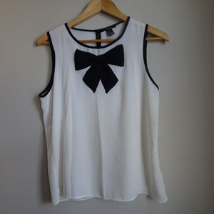 Forever 21 Sleeveless Bow Blouse Size S